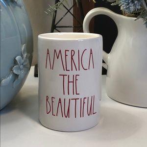 🆕 Rae Dunn AMERICA THE BEAUTIFUL Candle